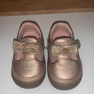 SURPRIZE BY STRIDE RITE TODDLER SIZE 3 LIKE NEW